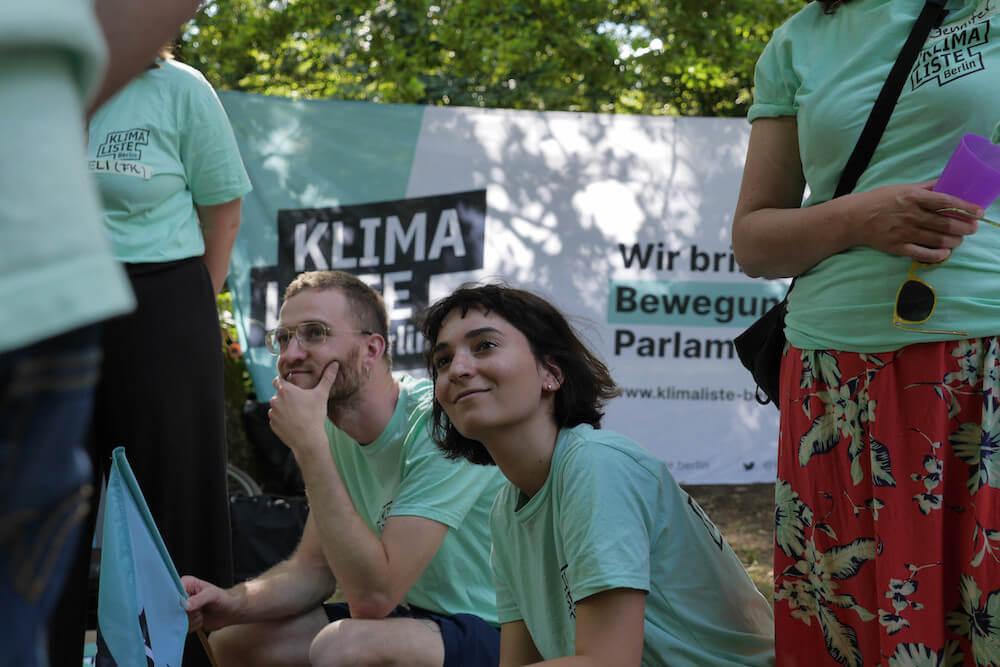 Bild von Kathrin Lehmann in Klimalisten-Gruppe mit Klimaliste Berlin T-Shirt